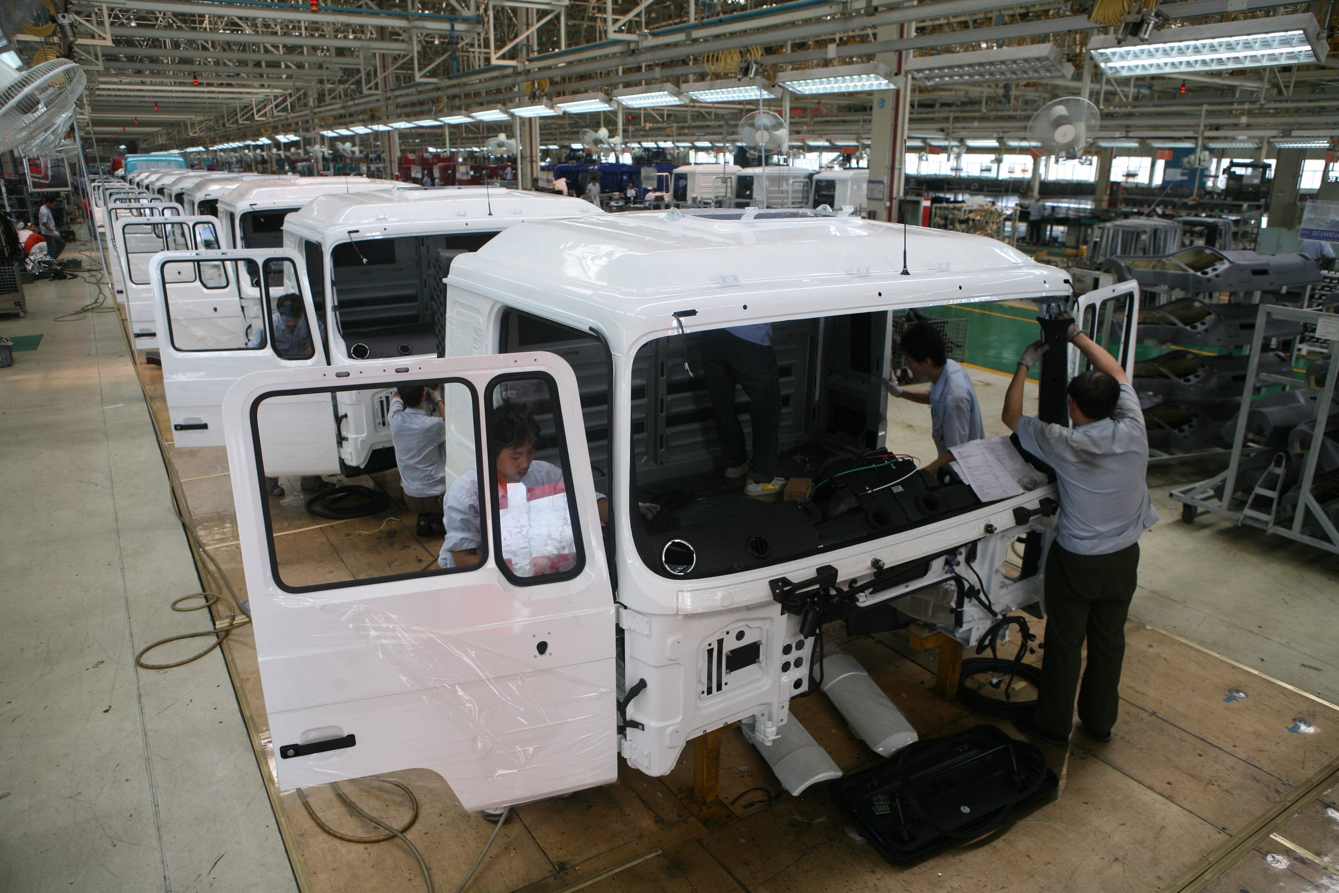 Assembly of Truck Electric on the Cabin